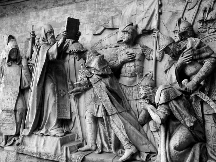 Горельеф разрушенного Храма Христа Спасителя. Скульптор А. Логановский