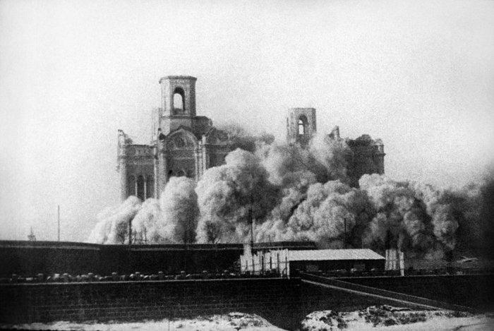 Взрыв храма Христа Спасителя, 1931 год. Фото Итар-ТАСС
