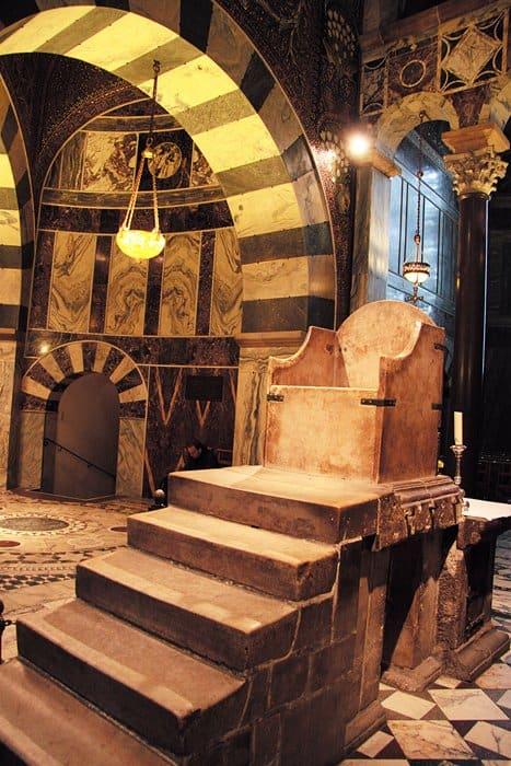 трон Карла Великого