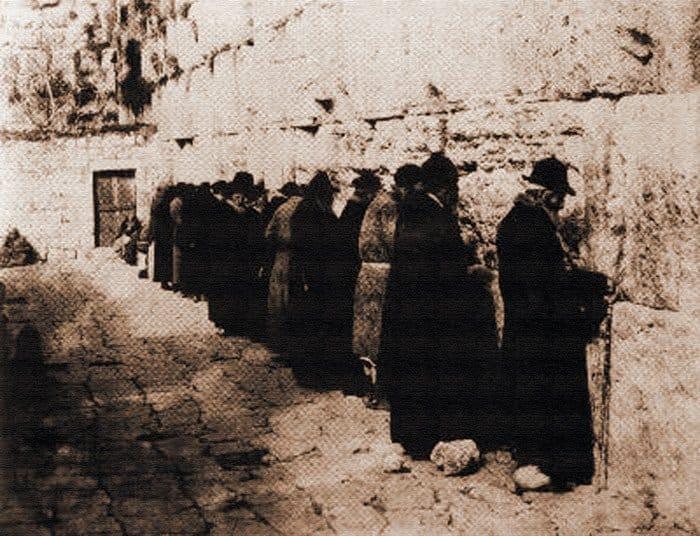 Ф. Карелли: Стена плача, ок. 1875, фото с сайта журнала израильской культуры