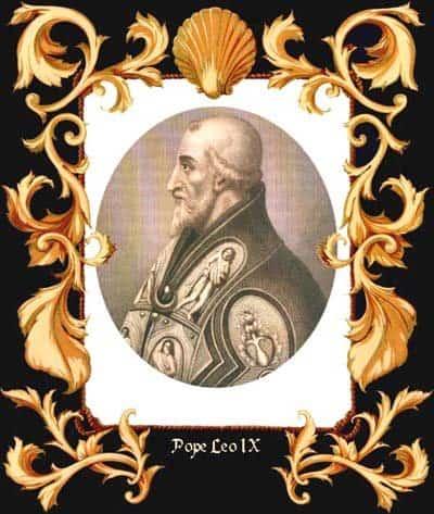 Папа Лев IX. Именно его легаты провозгласили в Константинополе анафему 1054 года. Правда к тому времени сам папа уже скончался.