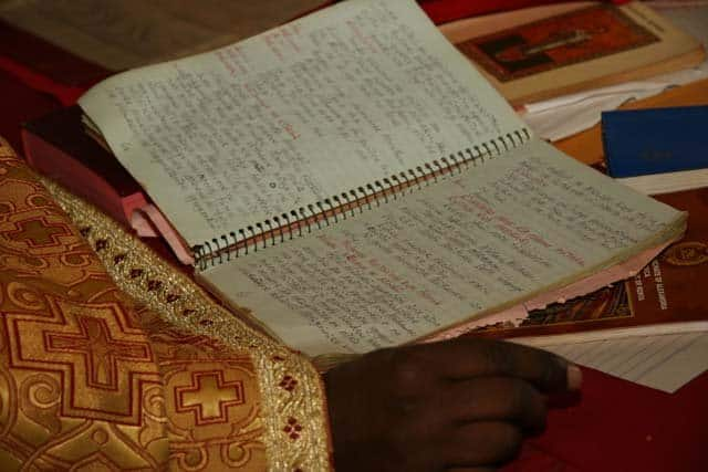 6184_14 Всемирното Православие - НА ВЪЗКРЕСЕНИЕ ХРИСТОВО В АФРИКАНСКИ СЕЛСКИ ХРАМ