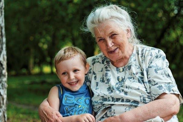 фото бабушка с внуком