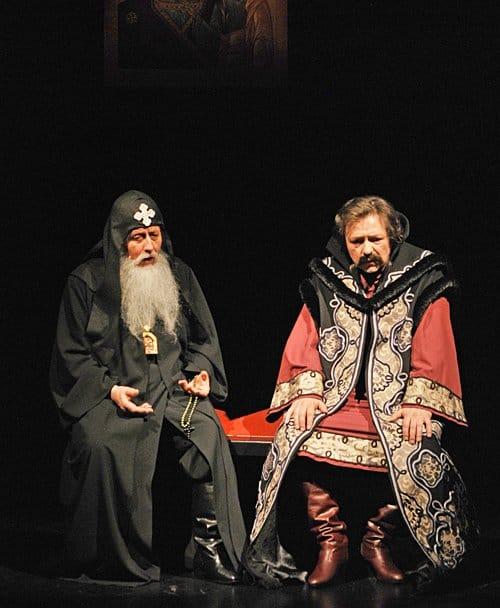 Появлению спектакля способствовали два больших исторических юбилея: 400-летие династии Романовых на русском престоле...