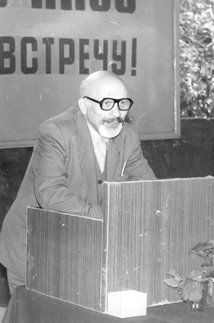 Отец Глеб выступает на научной конференции. 80-е годы