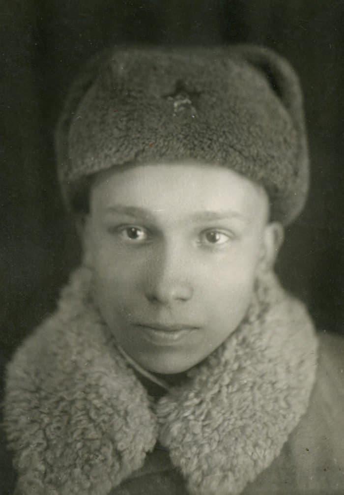 Глеб Каледа на фронте. 1942 г.