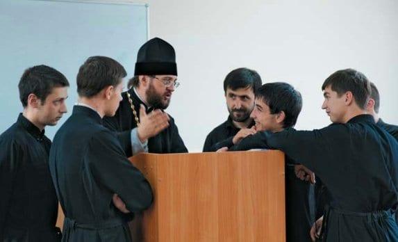 Архиепископ Бориспольский Антоний: СВЯЩЕННИКОВ И ВРАЧЕЙ НЕЛЬЗЯ УЧИТЬ ЗАОЧНО