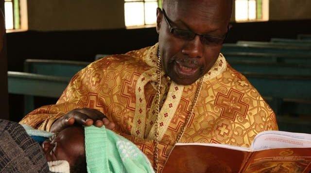 Воскресный день в африканском сельском храме (фоторепортаж + видео)