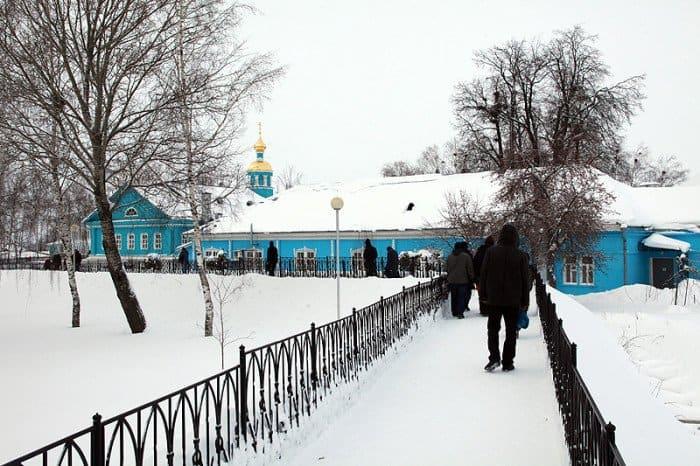 Школа, богадельня и храм в честь Рождества Богородицы