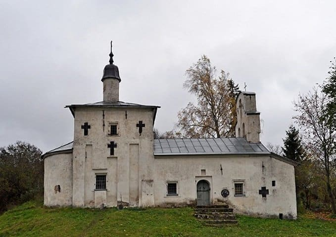 Русской Церкви передадут два храма в древнем Изборске