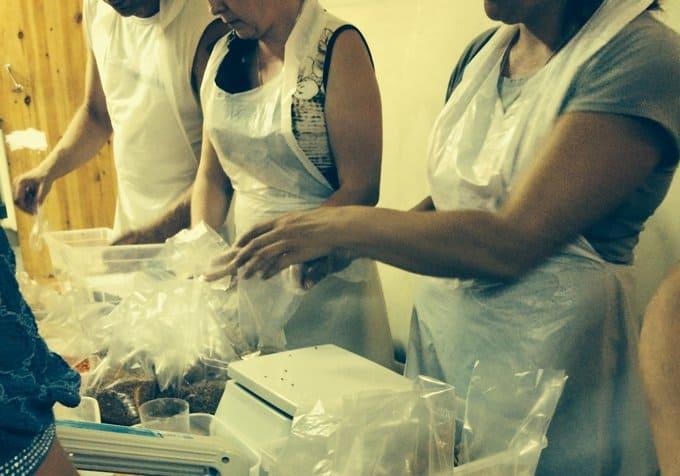 Обеды для бездомных теперь будут фасовать и в Троице-Сергиевой лавре