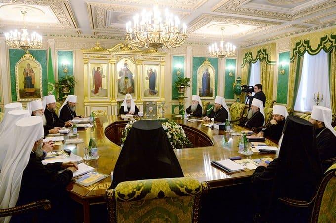 Началось первое в 2015 году заседание Священного Синода