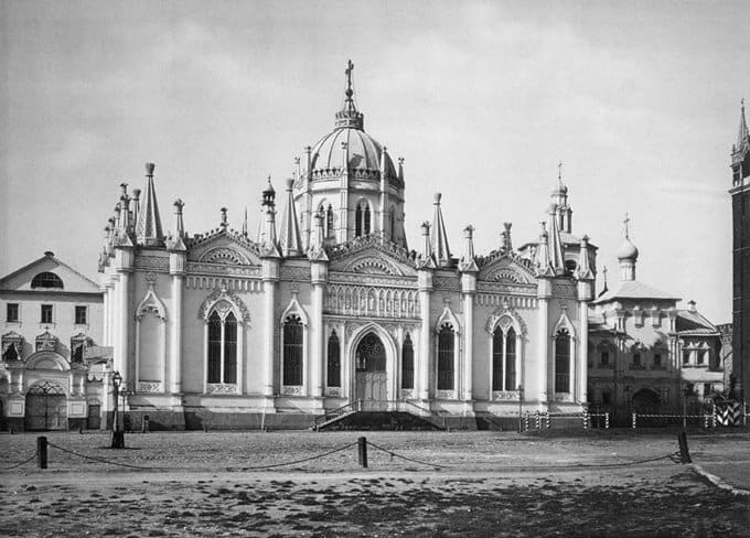 Владимир Путин считает возможным восстановление монастырей в Кремле