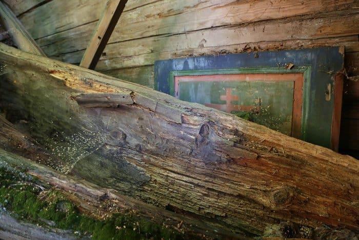 Часовня Николая Угодника в заброшенной деревне Ялганд-Сельга