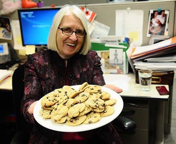 Жительница Канады собрала более 50 тысяч долларов на благотворительность продажей печенья