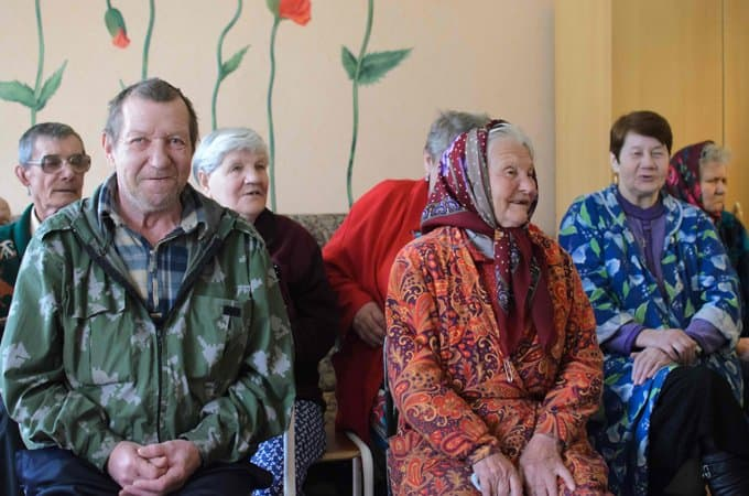 Жить в России стали дольше, также появился прирост в населении