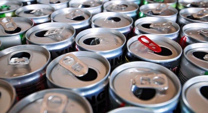 Алкогольные «энергетики» попали под запрет в Петербурге