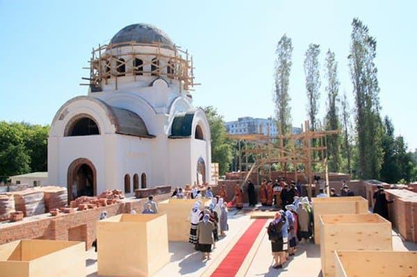 В «Новой Москве» освятили первый храм, построенный по «Программе 200»