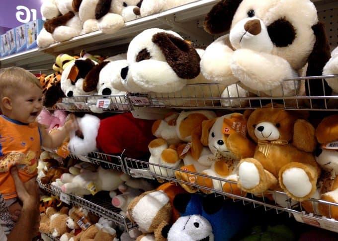 Психологи и педагоги проверят детские игрушки