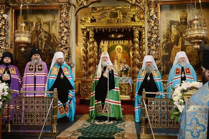 Патриарх Кирилл помолился о погибших детях Беслана