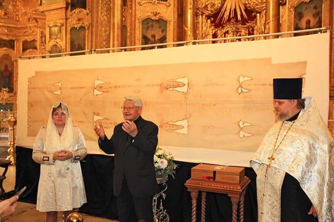 Копию Туринской плащаницы из Италии передали столичному храму