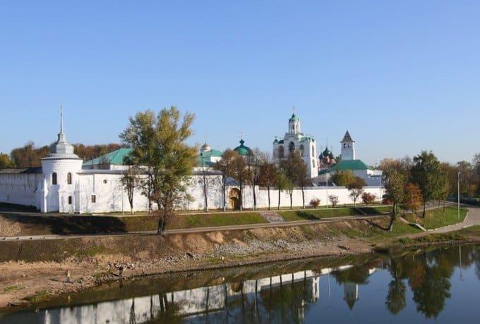 Храмы Преображенского монастыря Ярославля вернут Церкви