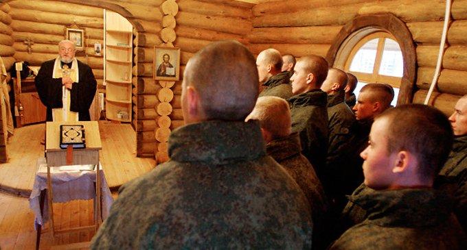В Арктике продолжают возводить часовни для военных