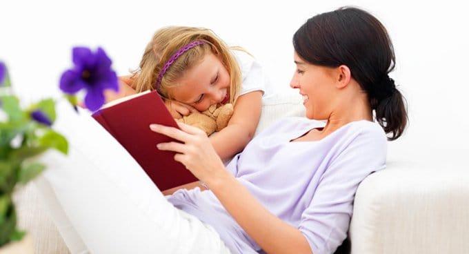 Психологи посоветовали побольше читать детям Библию