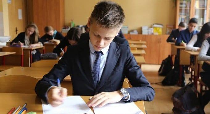 Проверочные работы для школьников станут проводить по всей стране