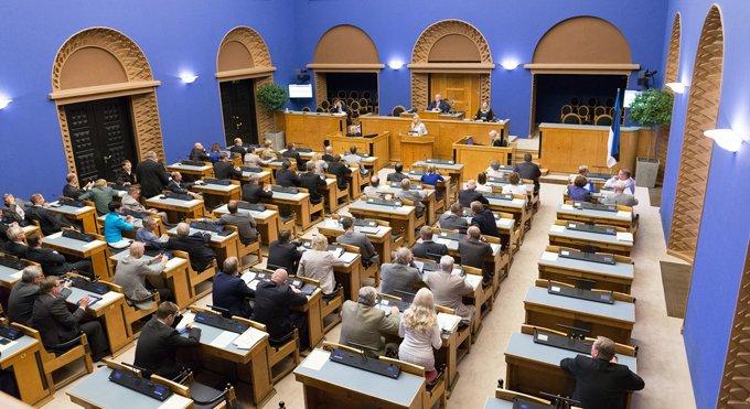 Парламент Эстонии разрешил регистрировать однополые браки