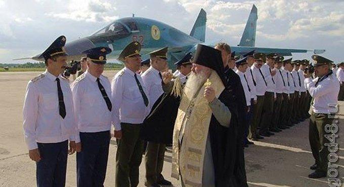 На российские истребители нанесли лики святых