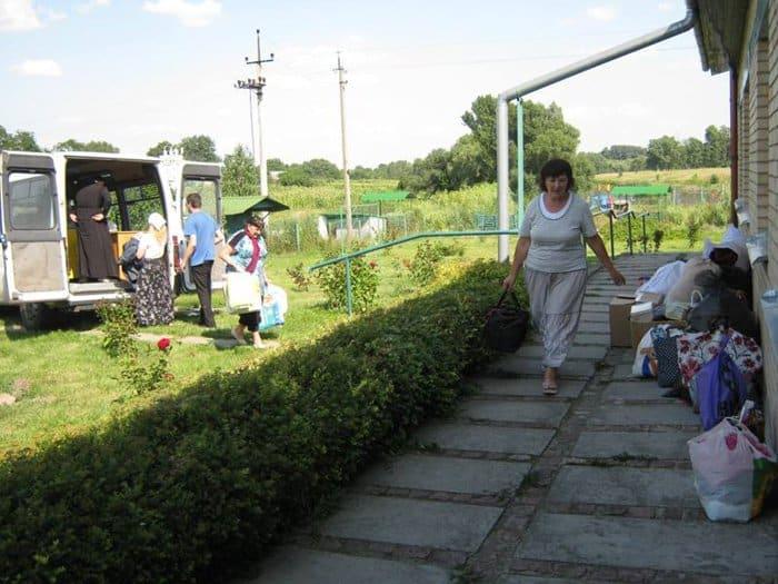 """База для вынужденных переселенцев """"Нечаянная радость"""" в с. Войково"""
