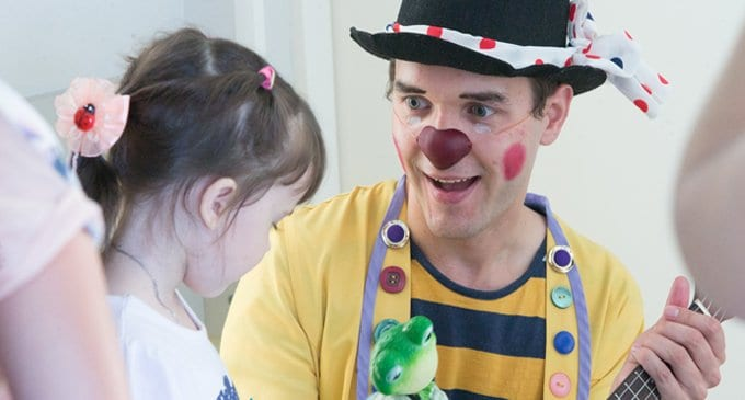 Клоун,  который живет в больнице (фоторепортаж)