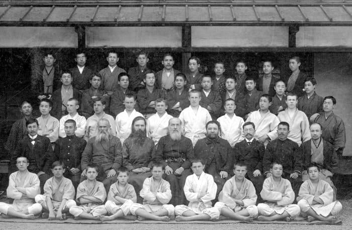 Семинария в Японии. В центре — о. Николай