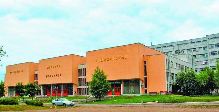 Российская детская клиническая больница (РДКБ) открыта в 1985 году. Сегодня это крупнейший в России детский многопрофильный больничный комплекс на 1025 мест, оснащенный современным диагностическим и лечебным оборудованием. В стенах больницы ежегодно получают высококвалифицированную медицинскую помощь свыше 18 тысяч детей из всех регионов России, ближнего и дальнего зарубежья. При больнице действует храм Покрова Пресвятой Богородицы, настоятель — священник Иоанн Захаров.