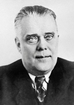 Академик  Ю. П. Францев— ректор МГИМО (1945-1949)