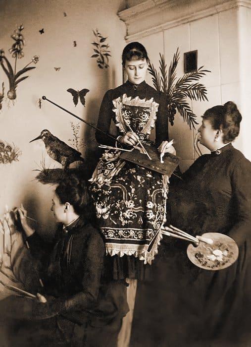 Великая княгиня Елизавета Федоровна зазанятиями живописью.  Конец 1880-х гг