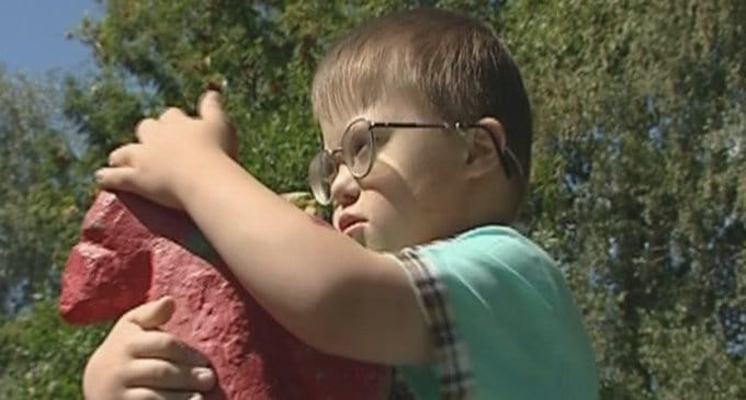 Ребенок, преодолевающий болезнь