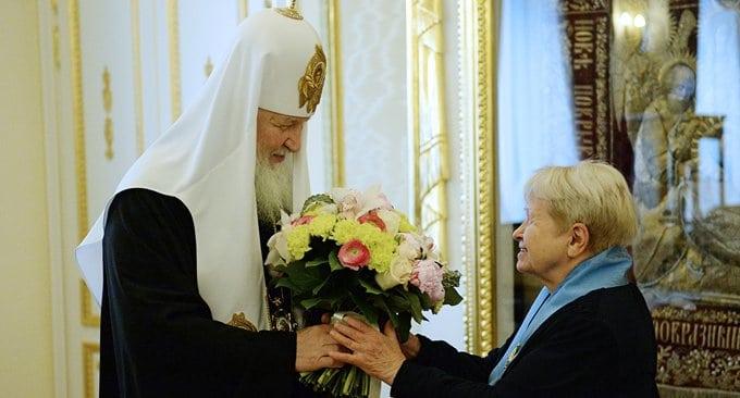 Патриарх наградил Александру Пахмутову