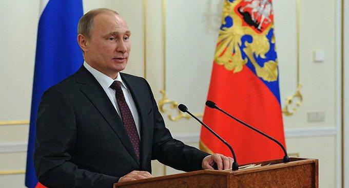 Надо оказать дополнительную помощь одаренным детям, - Владимир Путин
