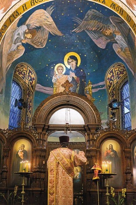 Мозаики церкви Марии Магдалины выполнены по эскизам В. М. Васнецова