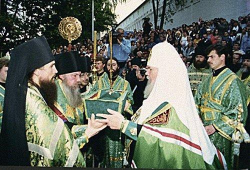 Передача мощей преподобного Саввы Сторожевского монастырю