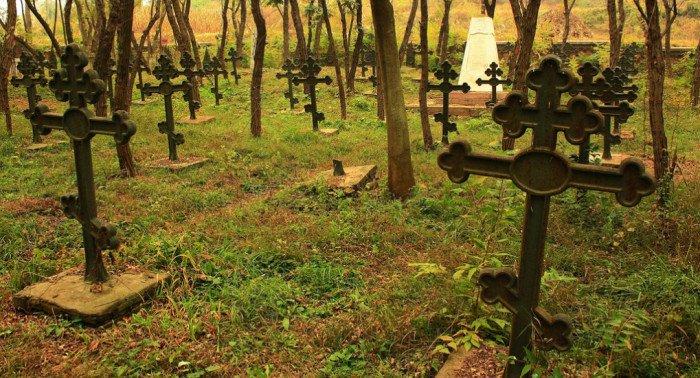 Как утилизировать старое надгробие?