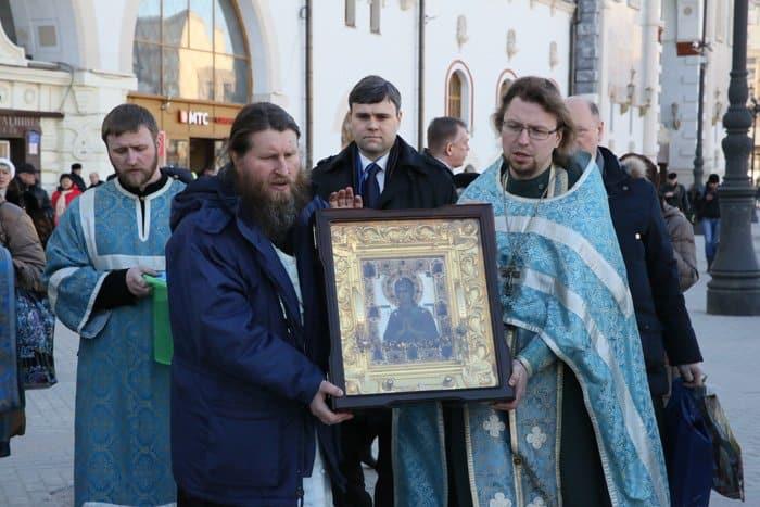 На Казанском вокзале в Москве помолились о сохранении мира