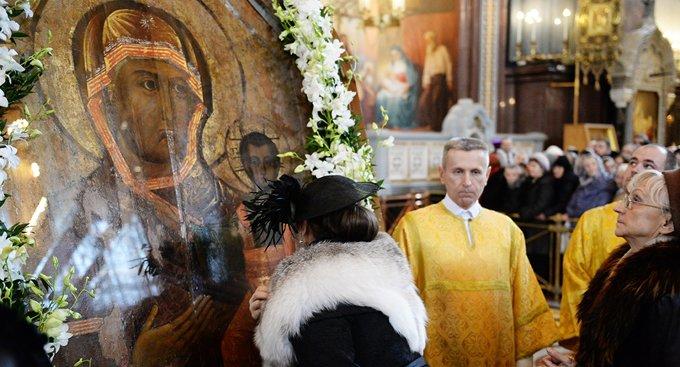 Смоленской иконе в Москве поклонились свыше 70 тысяч человек