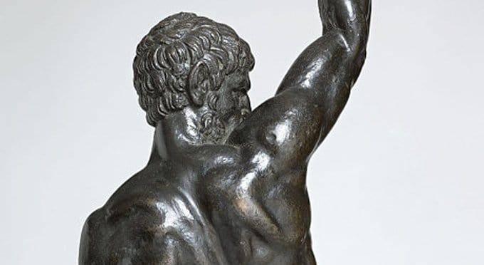В Британии, возможно, нашли уникальные бронзовые статуэтки работы Микеланджело