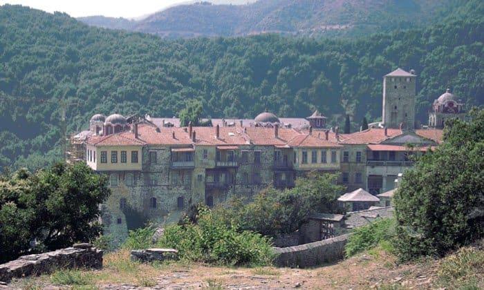 Монастырь Ивирон на Афонском полустрове. Фото Michalis Famelis