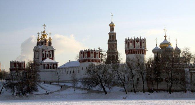 В Москве горит Новодевичий монастырь