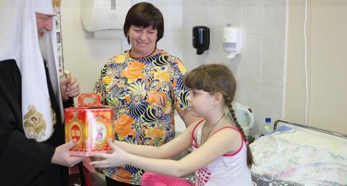 Москвичи соберут пасхальные подарки для самых нуждающихся