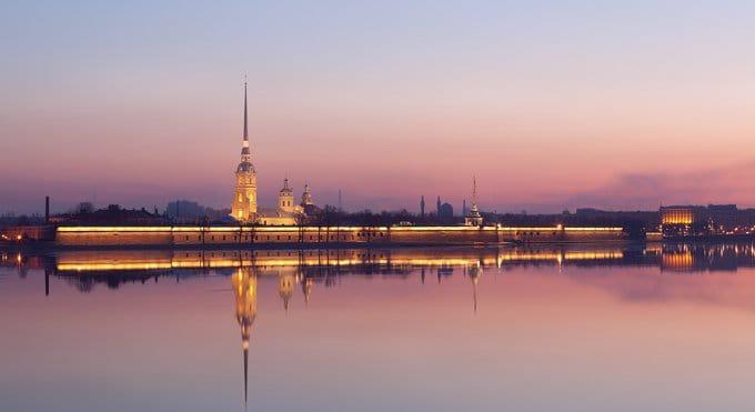 В Петербурге начали вскрывать гробницу царя Александра III